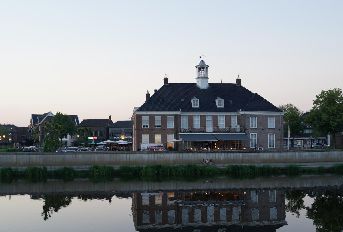 Een zwoele zomeravond in Ommen.